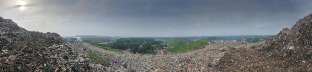 Panoramic landfill (c) Clara Feibusch